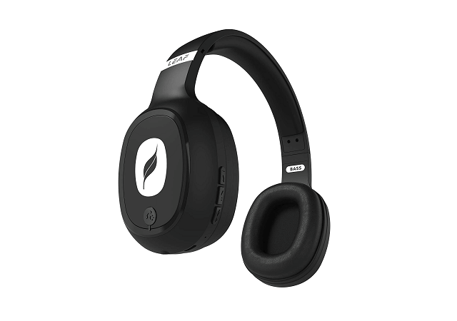 best over-ear wireless headphones with mic under 1000 with Bass